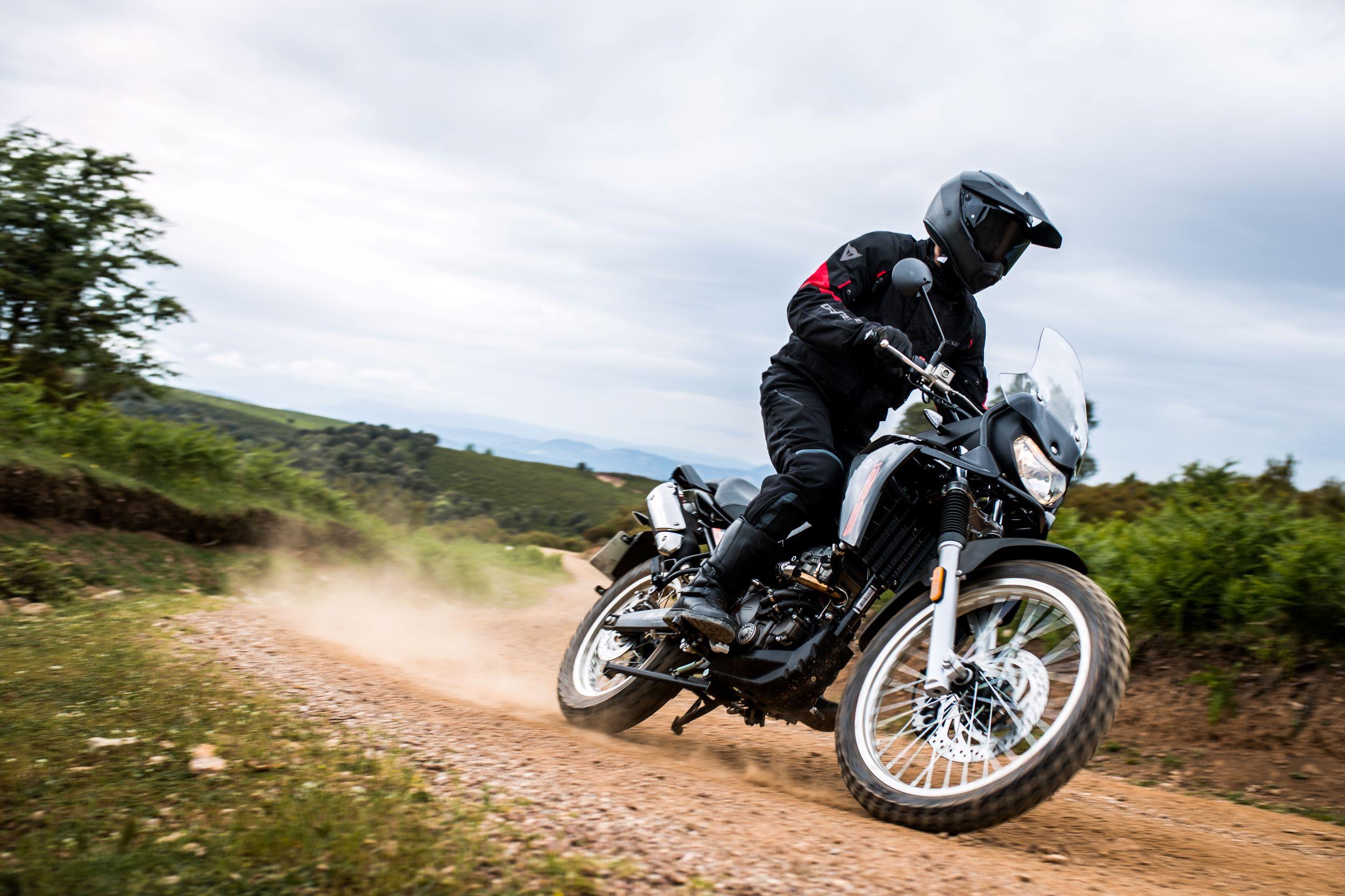 https://malaguti.bike/wp-content/uploads/sites/3/2021/08/dune-x-right-side-action.jpg